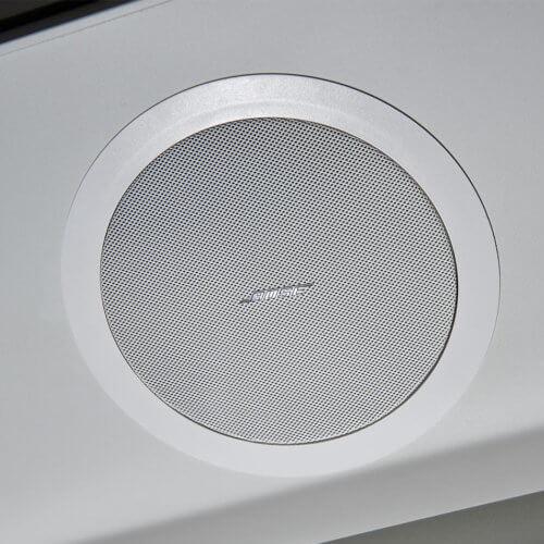 Posh Toilet with Bose Speaker for Hire - Rent Ohelloo Posh Toilets, UK